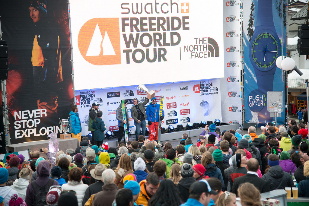 The inaugural FWT world champ, Tabke raises the cup in front of a passionate freeride audience in Verbier. PHOTO: D.Carlier/FWT
