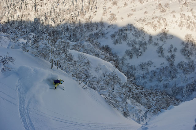 Chad Sayers figuring out the slopes of Tokachi mountain. PHOTO: Jordan Manley