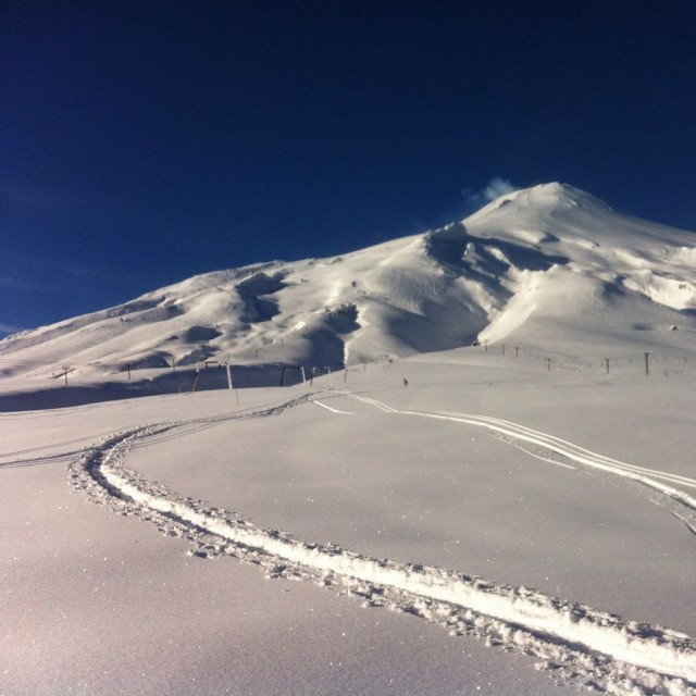 Pucón. Lifts closed, conditions epic. PHOTO:  ChileNieve, Mateo Barrenengoa
