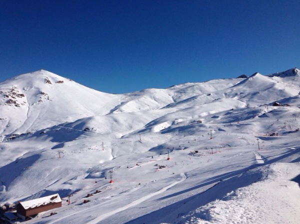 Valle Nevado. Thin base, fun as hell anyway. PHOTO:  Valle Nevado