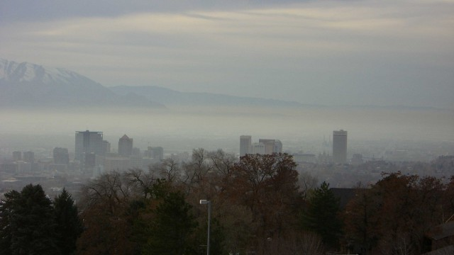 Temperature inversion traps pollution from car exhaust and industrial emissions over Salt Lake City. PHOTO: Aaron Gustafson