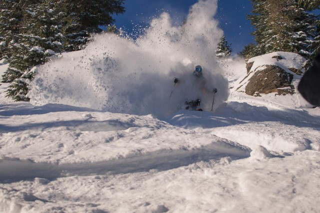 "Mammoth Mountain Skiers enjoyed 30"" and free refills this week."