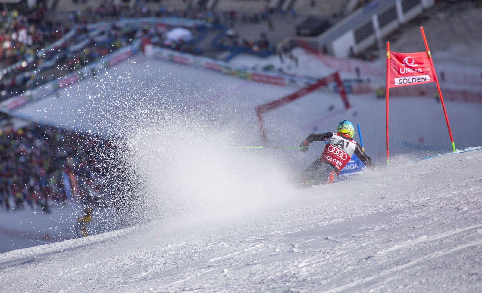 Gut builds big 1st-run lead in season-opening giant slalom